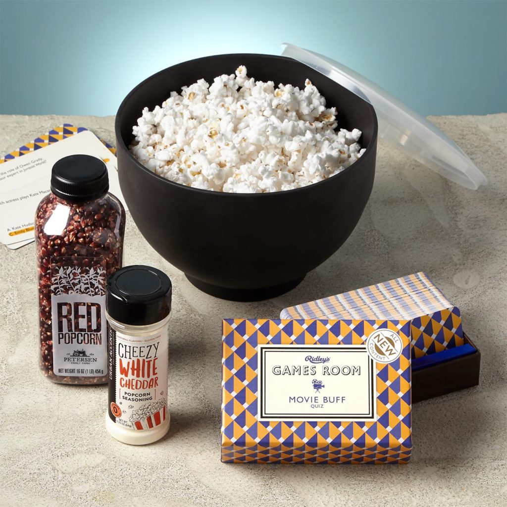 Popcorn and game gift perfect for the whole family